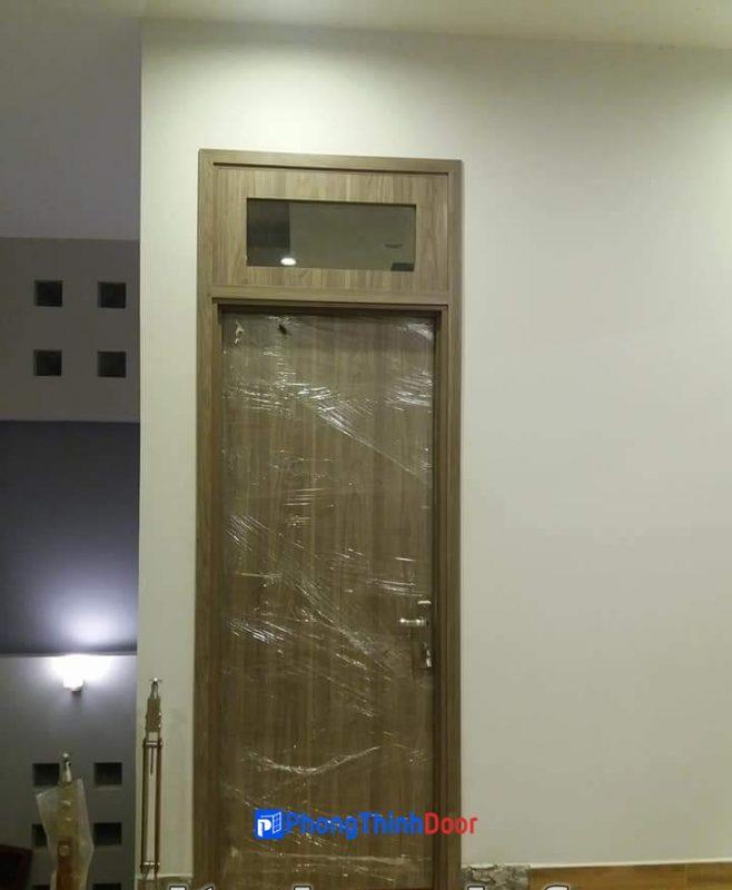cửa nhựa abs có ô kính