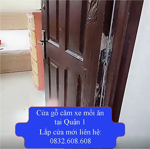 Thay cửa gỗ
